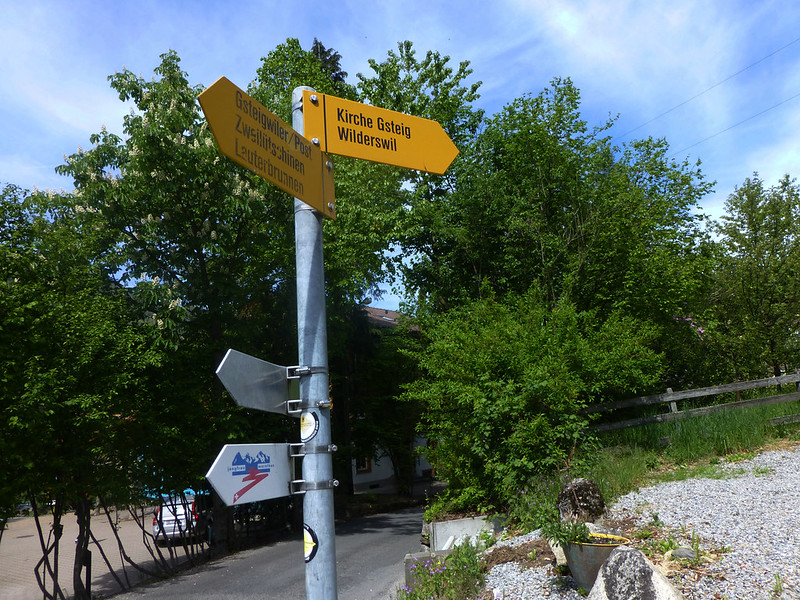 Signpost to wilderswil