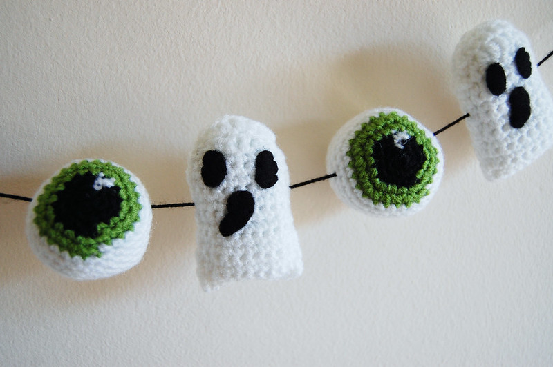 Ghost and Eyeball Garland
