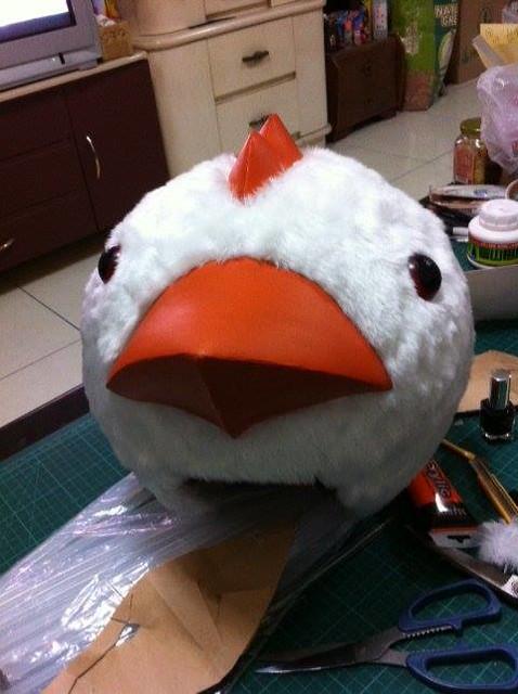 敗家野孩子的作品之一:高鐵吉祥物早鳥頭頭套