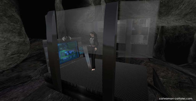 Selina Kyle in the Batcave - Rectangular Data Well