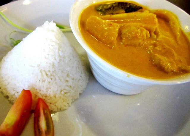 Cafe Ind - seafood curry & rice