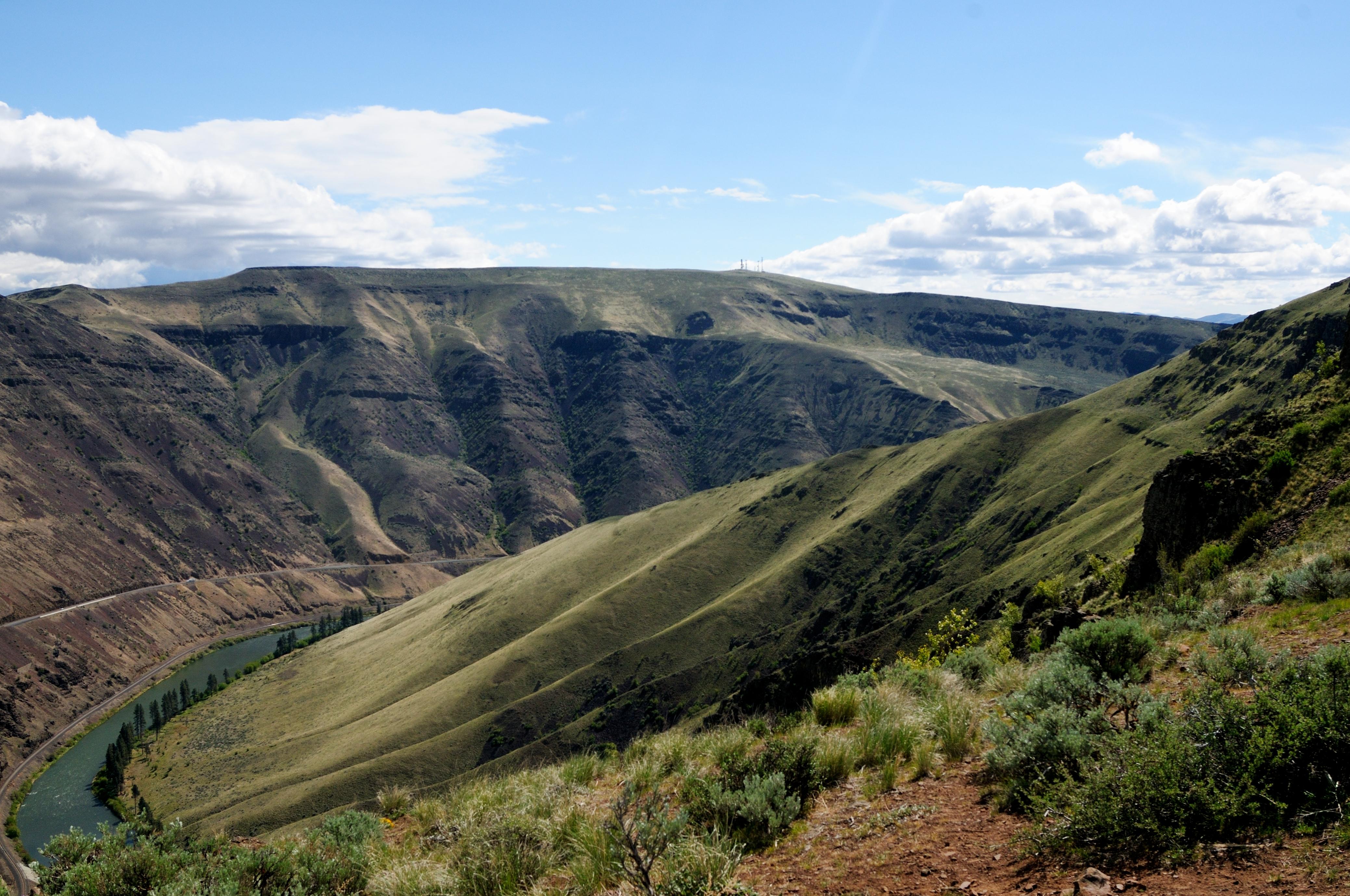 Elevation of manastash ridge washington usa maplogs for Landscaping rocks yakima
