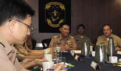 Leaders meet aboard USS Blue Ridge (LCC 19) May 12 in Sattahip. (U.S. Navy/MC1 Brannon Deugan)