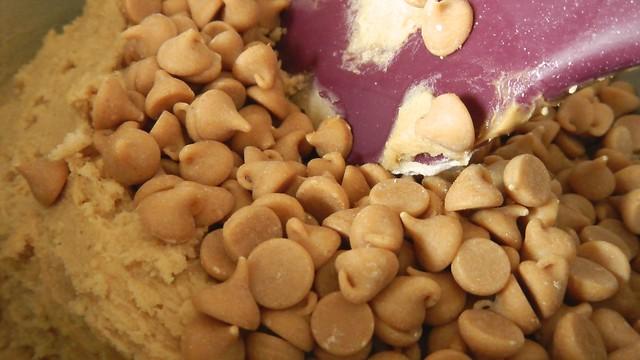 Peanut Butter Pretzel Cookies 7