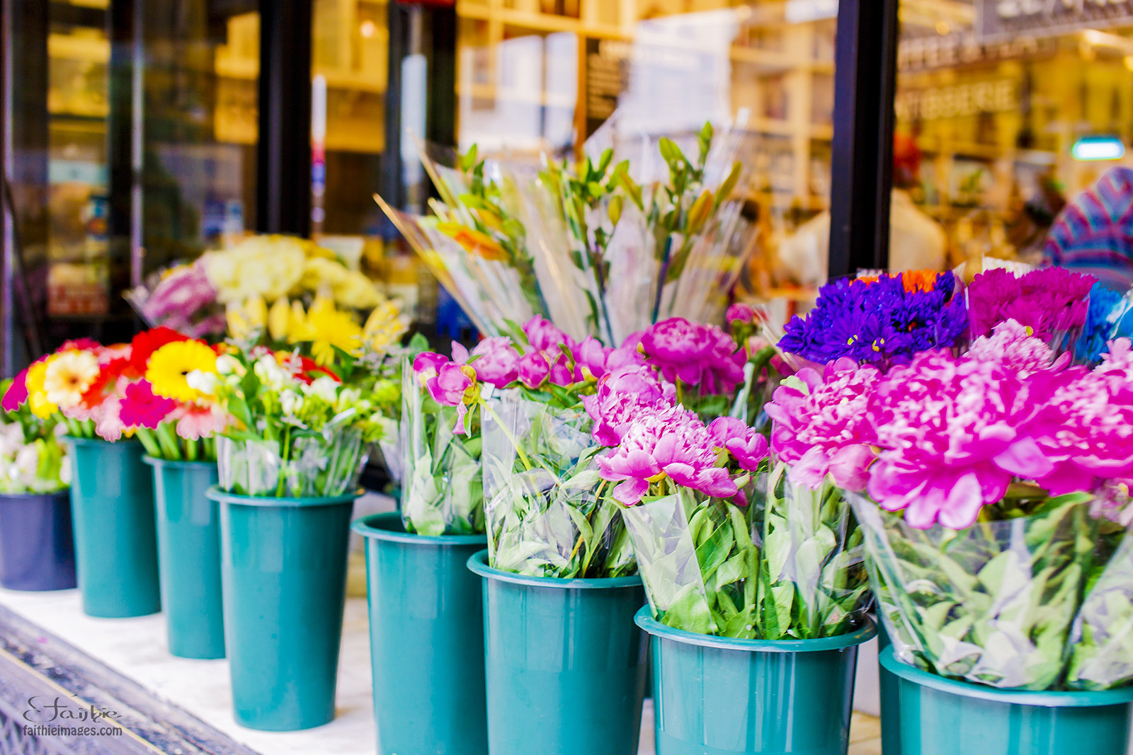 Manhattan flower shop displays with pink carnations