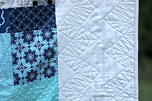 Free motioned zig-zags on the Boxed In quilt