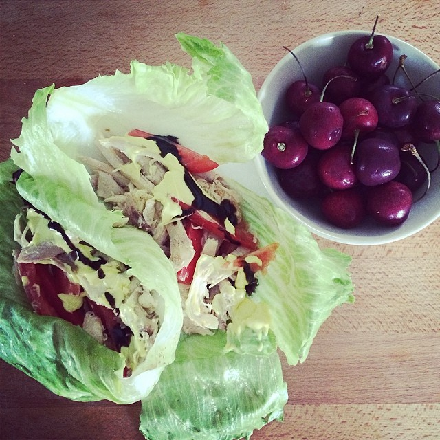 Day 10, #Whole30 - lunch (chicken lettuce wraps & cherries)