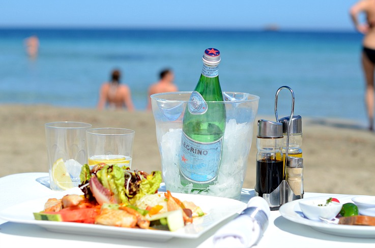 DSC_3244 Lunch at Coco Beach, Ibiza