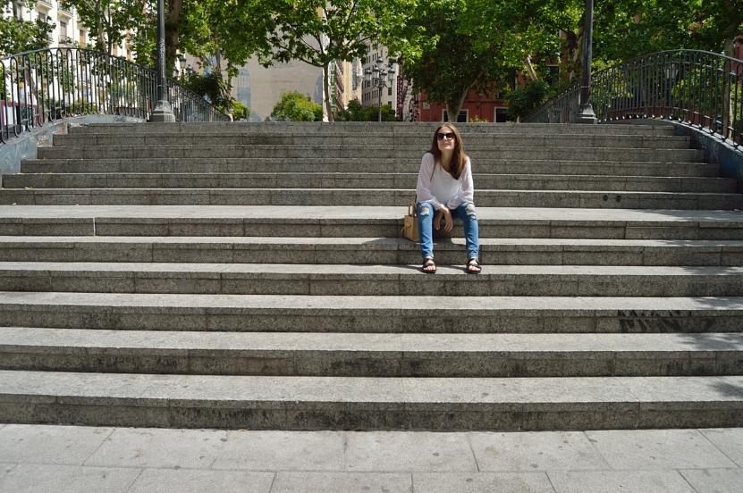 lara-vazquez-madlula-blog-style-fashion-stairs