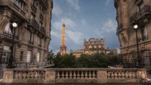 blue sunset white paris france art monument lamp yellow architecture clouds lights apartments eiffeltower eiffel illuminated hdr camoens avdecamoens