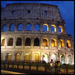 The #colosseum @ night. #italy #rome