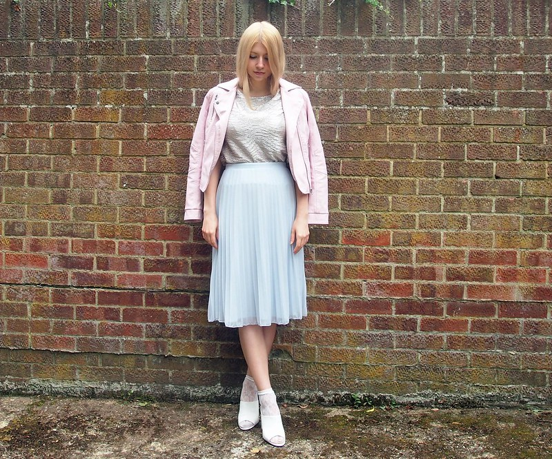Dorothy Perkins, Pastel Blue Midi Skirt, Pleats, Primark, Metallic, Gold, T-Shirt, Matalan, Pink Biker Jacket, Leather, Pleather, New Look, White Mules, Ankle Socks, How to Wear, UK Fashion Blog, London Style Blogger, Styling Inspiration, Outfit Ideas, AW14, Sam Muses
