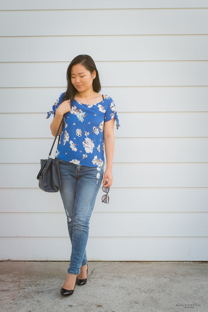 Floral top with bows 09