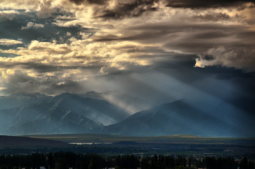 sunset storm mountains clouds sunrise skies silkroad shan sunrays centralasia kyrgyzstan tien kirgisistan