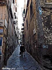 Lamore nei vicoli di Napoli