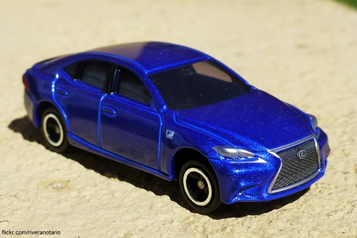 Tomica No. 100 Lexus IS 350 F Sport
