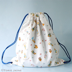 Peter Rabbit drawstring back pack tutorial