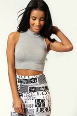 BOOHOO grey sleeveless crop top