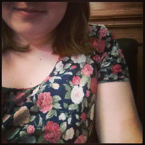 #mmmay14 Day 17: Rosey Simplicity 9175 & tired post- fabric shopping face. Thankyou @houseofpinheiro for #NYlon2014