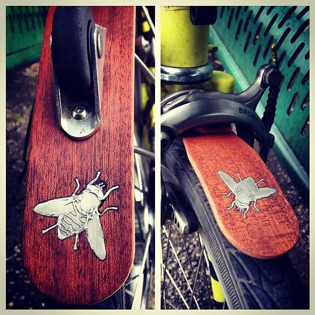 Cool custom Bumble Bee mahogany fenders by NisnasIndustries.com #urban #upgrades #bromptonbicycle #wood