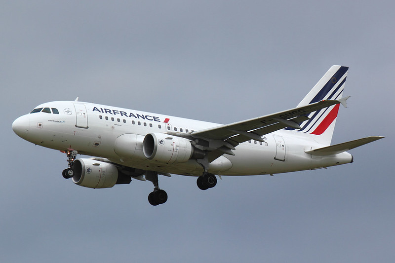 Air France - A318 - G-GUGQ (1)