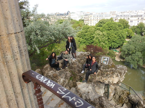 French teens at Buttes-Chaumont
