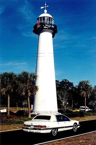 road 2001 lighthouse cars mississippi palmtrees biloxi median