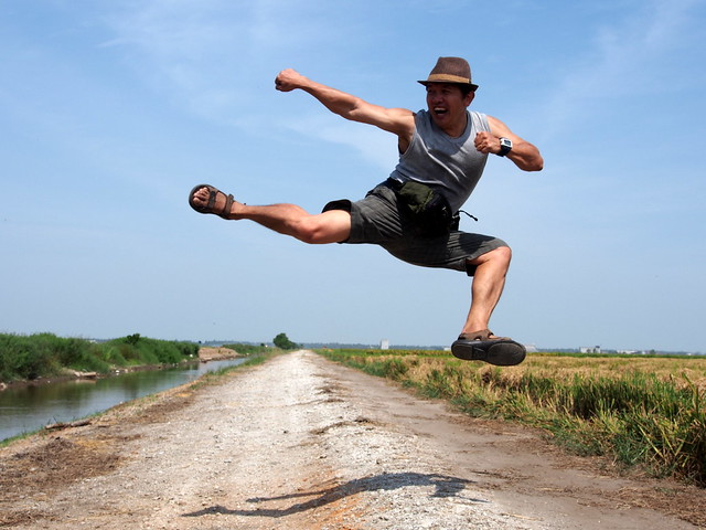 Jumping Side Kick | John Ragai | Sekinchan