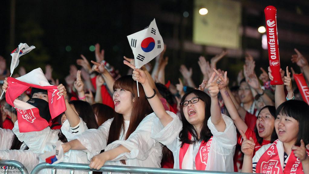 Korea_Fans_Cheers_Team_Korea_20140623_04