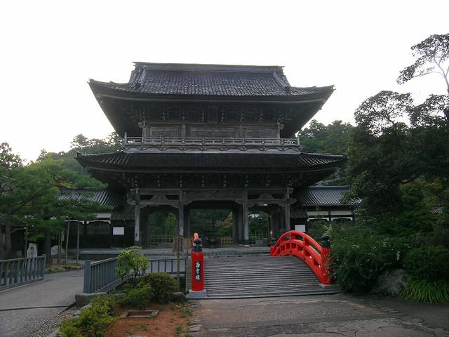 Sojiji Temple, Monzen