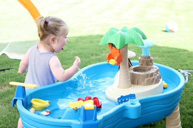 playing in the water table