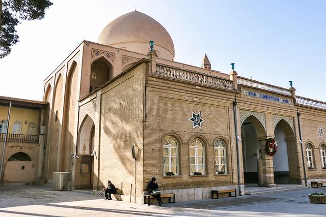 Facade view of Vank Cathedral, Isfahan, Iran イスファハン、ヴァーンク教会外観