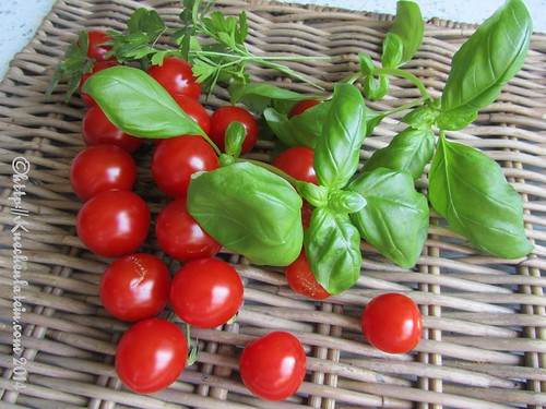 ©Tomatoes, basil, parsley