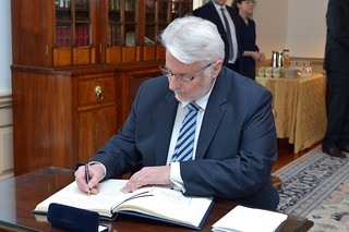 Polish Foreign Minister Waszczykowski Signs Secretary Tillerson's Guestbook