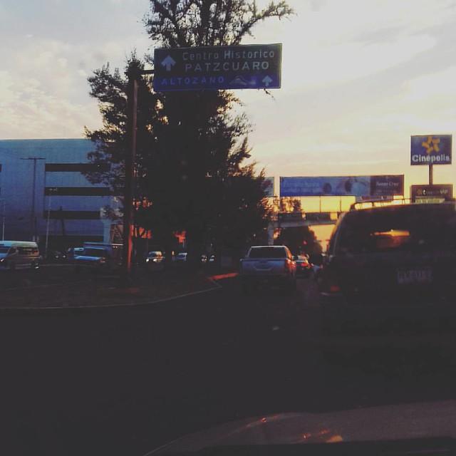 Hace rato :v #amomanejar #morelia #sunset #driving