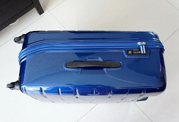 新秀麗行李箱06