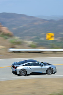 BMW-2014-i8-on-the-road-07