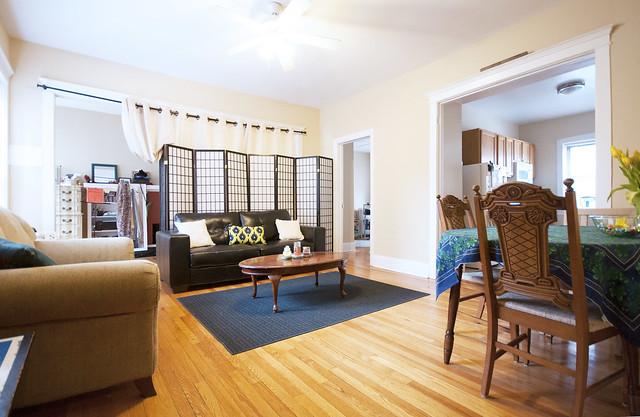 average studio apartment. Spacious  bright and open aren t usual descriptions for a studio apartment But this isn your average 1576 Oak BJB Evanston