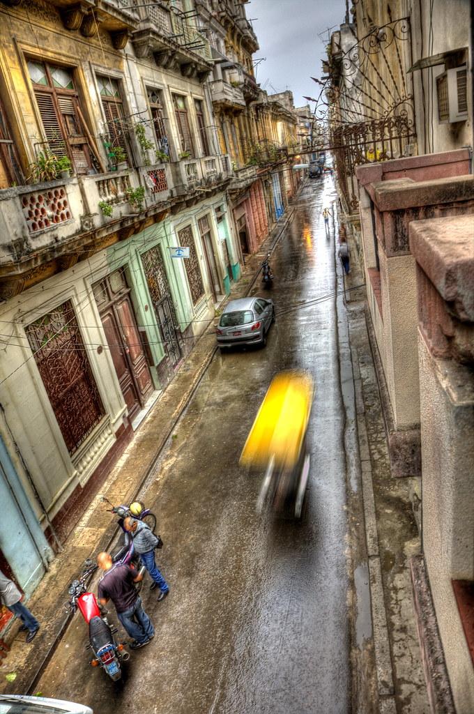 passing bici taxi