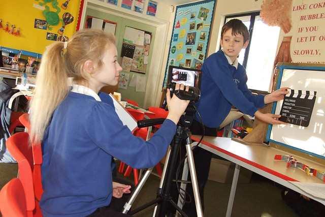Filmmaking at Frobisher Primary School © ROH/ Thea King, 2013