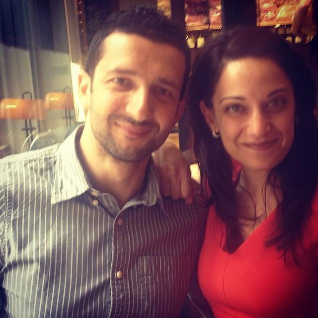 Ο Κωνσταντίνος κι εγω συζητάμε #ToPikroTsai - να δεις τι σου χω για μετα.