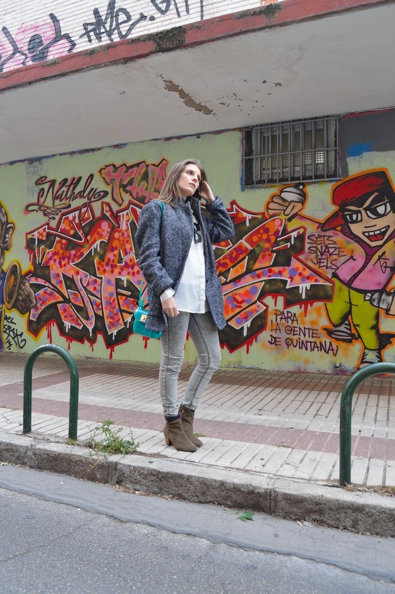 lara-vazquez-madlula-blog-style-fashion-streetstyle-graffity-grey-green