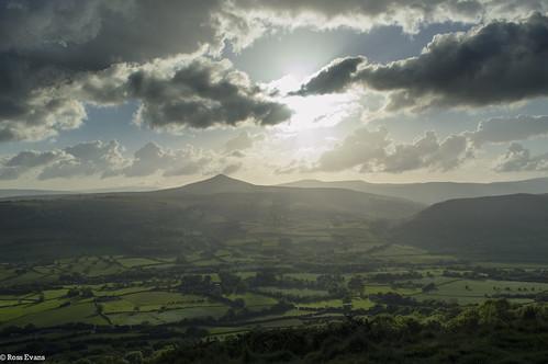 uk sunset mountains wales landscape nikon kitlens sugar loaf sugarloaf abergavenny skirrid nikond3200 webw onlywales