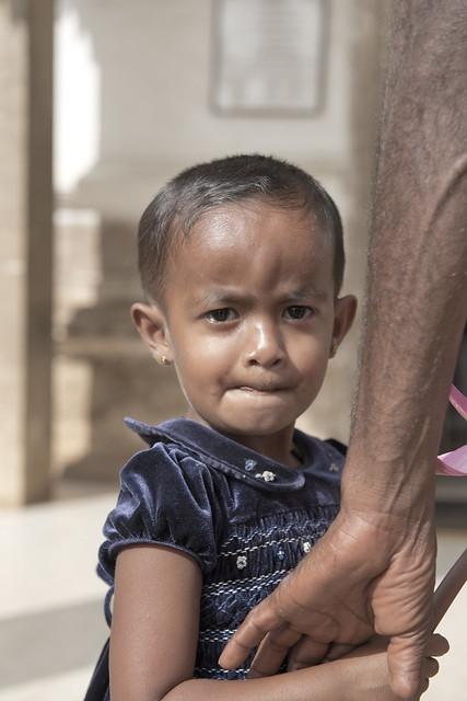 SL028 Sinhalese girl - Anuradhapura 03 - Sri Lanka