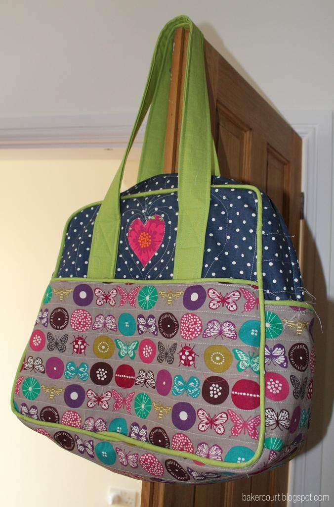 Weekender Bag Knitting Pattern : Bakercourt - Knitting, Sewing, Crafting.: Sewing the Amy Butler Weekender Tra...