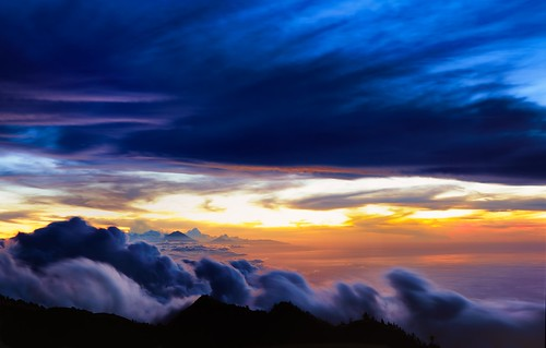 sunset bali mountain indonesia landscape 8x10 fujifilm bluehour lombok largeformat mountagung velvia50 nusatenggara mountrinjani canhamjmc810 lplandscape