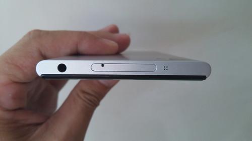 Xiaomi MI3 ด้านบน