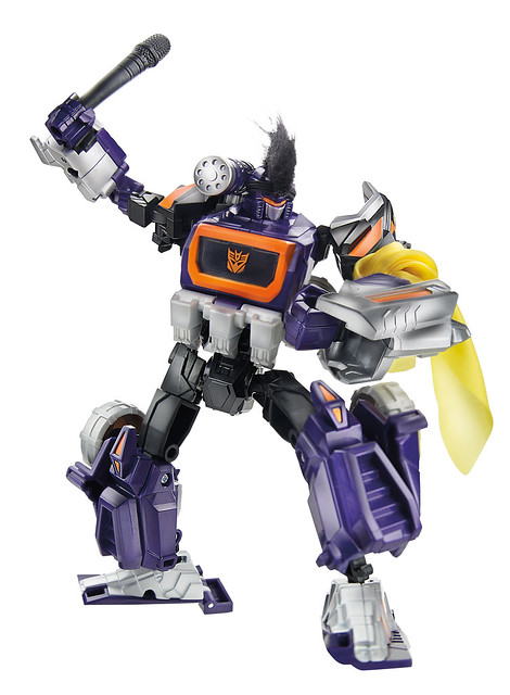 Soundwave-robot-SDCC-2014-Hasbro-Transformers-30th-Anniversary-Knights-of-unicron-Set-Exclusive