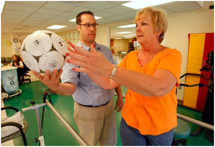 Cải thiện run cho bệnh nhân Parkinson bằng vật lý trị liệu