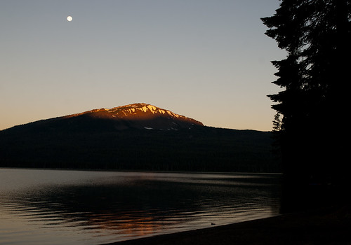 sunset moon mountain lake reflection peak cascades